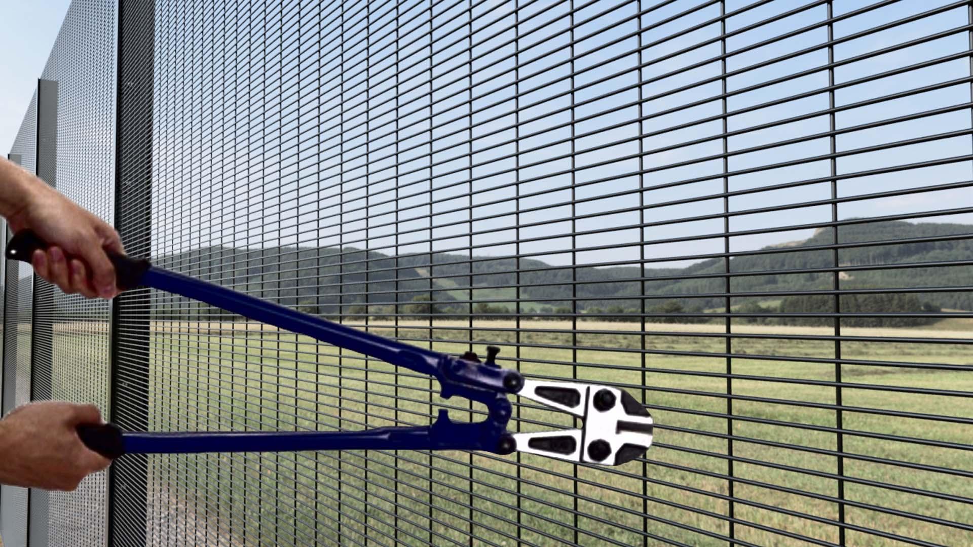 Anti-Cut Fence